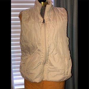 Duck head beige vest, size L